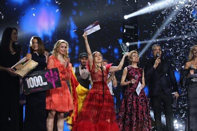 Ester Peony поедет на Евровидение 2019 от Румынии