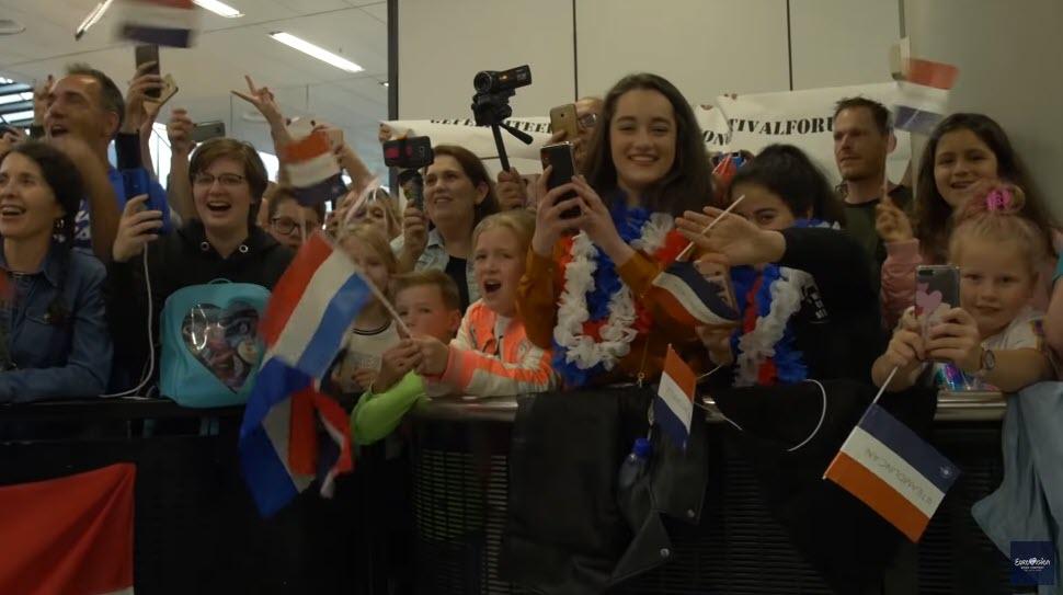Встреча Дункана Доуренса фанатами в аэропорту Амстердама